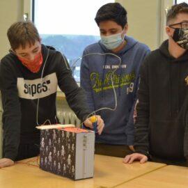 MakerBox – Kunstmaschinen aus Elektroschrott